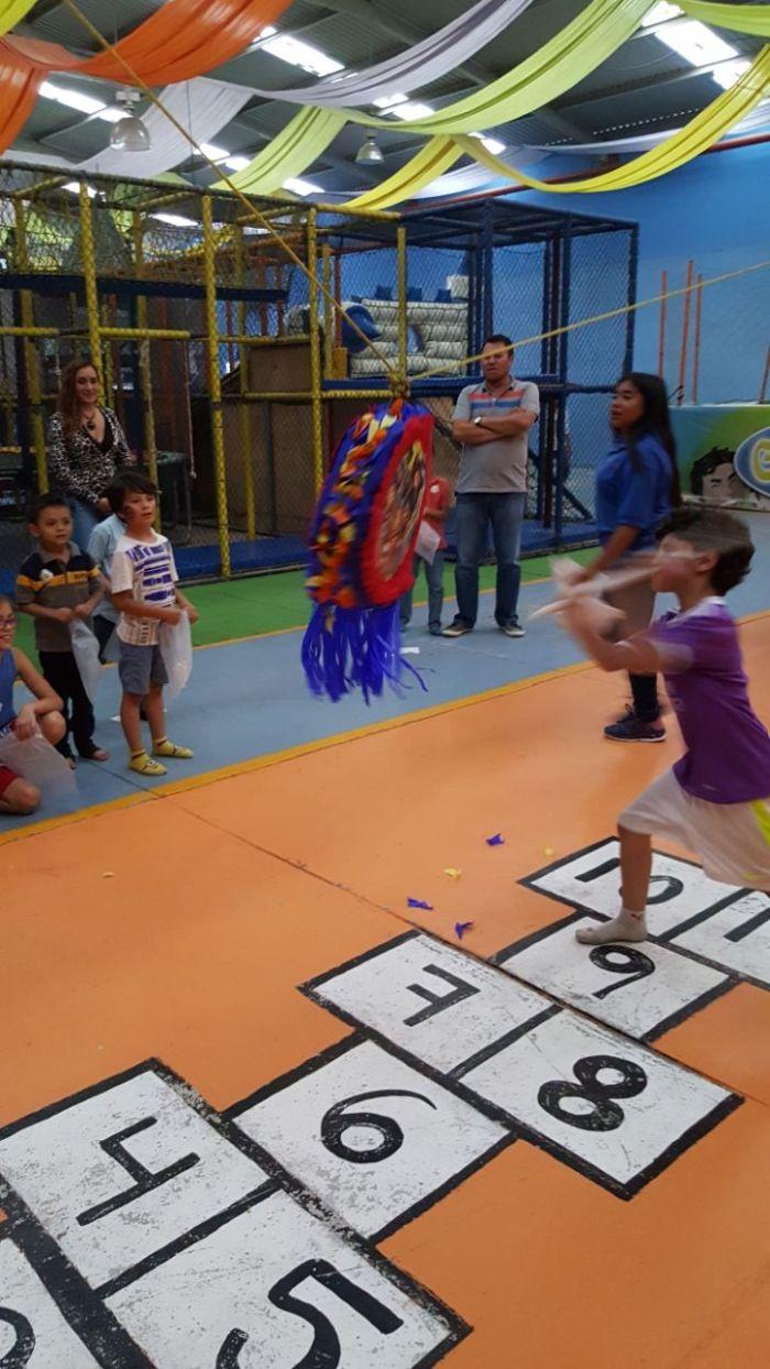 Camelot Salón de fiestas infantiles